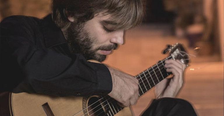 Sunday, October 17, 12:00 p.m. | Poblenou Cemetery | THE GOLDEN AGE OF THE GUITAR IN BARCELONA | Ernest Martínez (guitar)