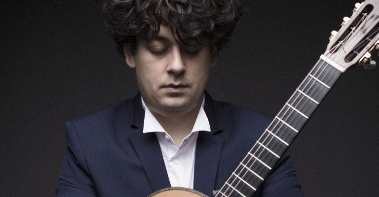 Dissabte, 6 de novembre, 18.30h   Saló d'Art Miquel Llobet – Casal Can Travi   LA GUITARRA DE LORCA   Samuel Diz (guitarra)